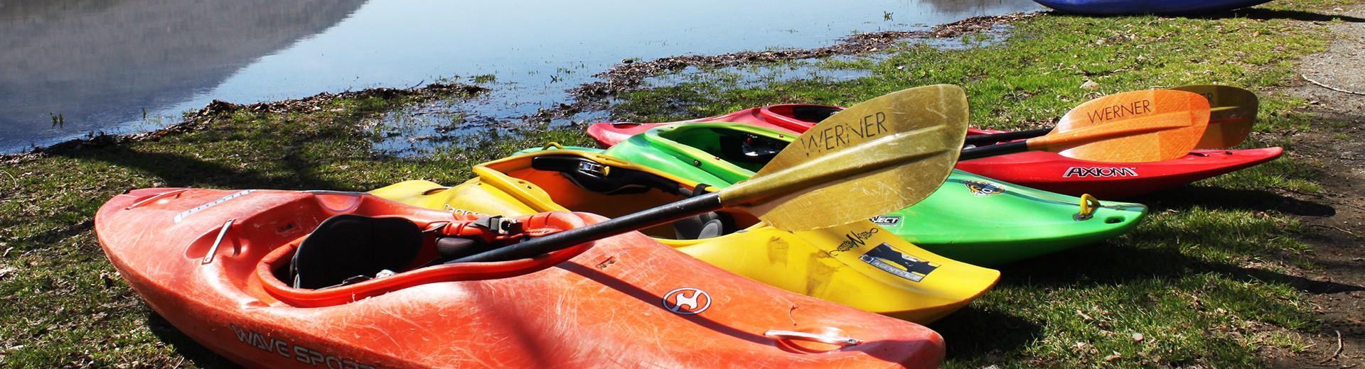 kayaks_wide