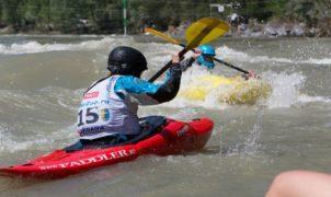 Kayaking_altai_dollarfest_slalom