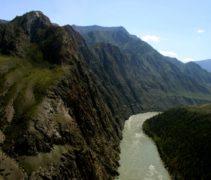 горы и реки Алтая