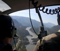 из кабины вертолета