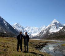 у подножия горы Белуха